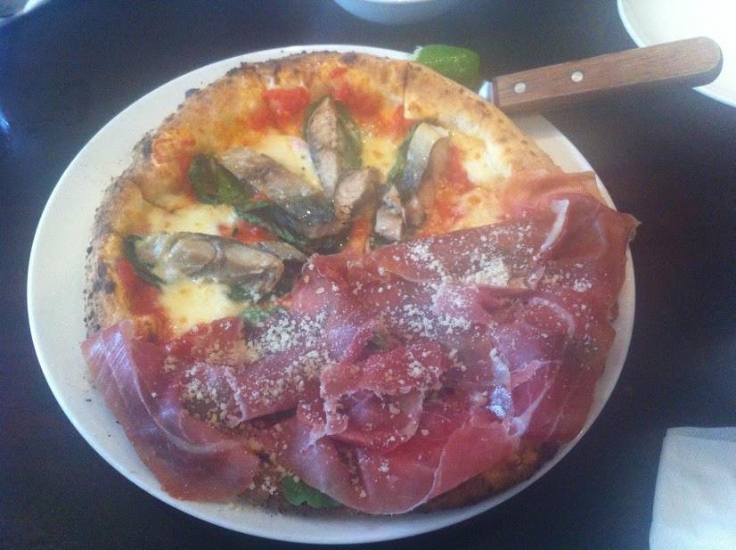 ホーチミンPizza4Ps 2011年
