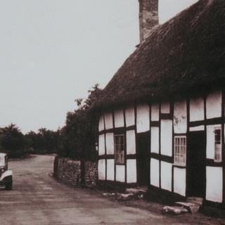 Manor Lane Tudor Cottage.JPG