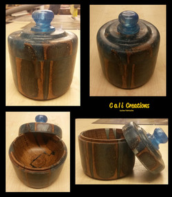 resin and wood pot