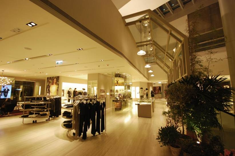 agnès_b._LA_LOGGIA_bis,_ifc_mall,_Hong_Kong_1