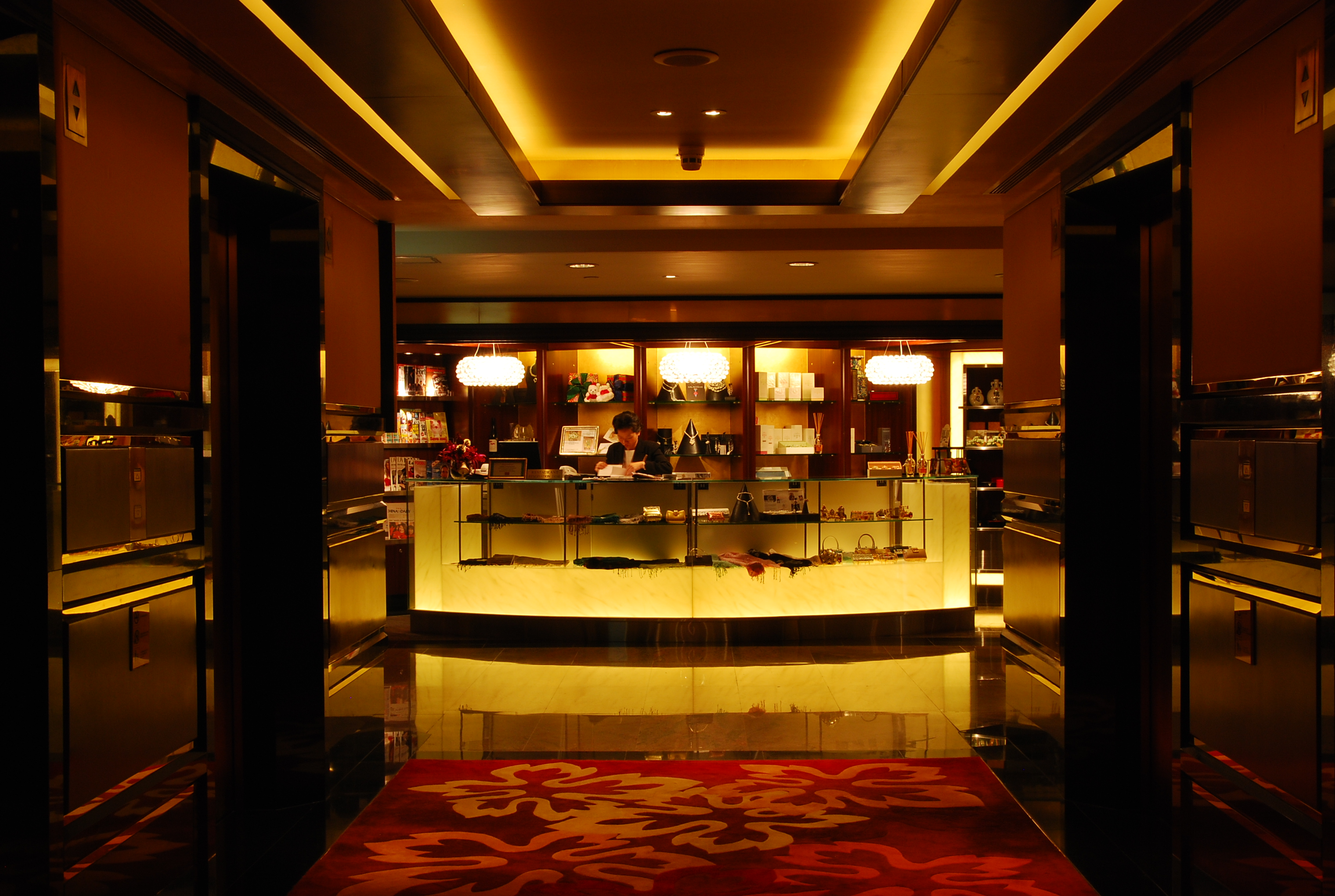 The Golden Leaf, Conrad Hong Kong 12