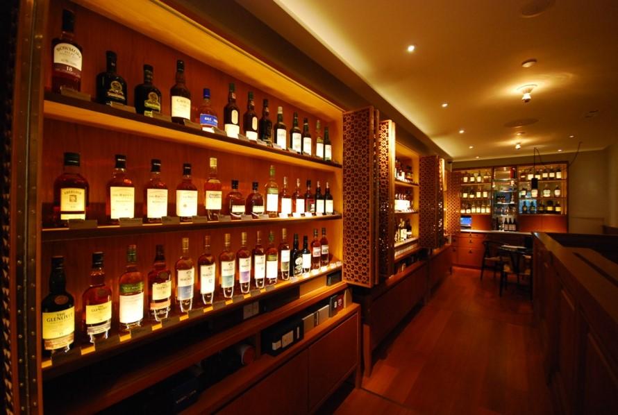 Liquor & Liqueur, 97 Wellington Street, Hong Kong 2