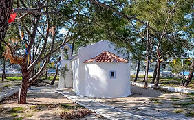 wedding-chapel-by-the-sea-in-ithaca-gree