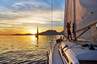 Sunset-sailing-trip-Maximusmeridi-shutte