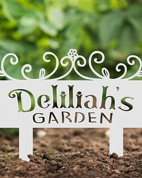 Delilahs in dirt.jpg
