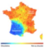 Figure 3. Carte de France « thermique ». Les couleurs chaudes représentent le pain au chocolat, tandis que les couleurs froides représentent la chocolatine. Il est intéressant d'observer qu'autant il y a sur la carte du rouge parfait (donc des endroits où on ne dit que pain au chocolatine), autant il y a très peu de bleu foncé foncé (donc des endroits où on ne dit que chocolatine).
