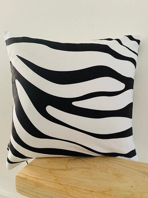 Kissenhülle im Zebra Look