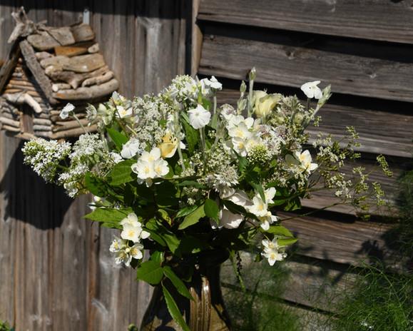 White wedding arrangements