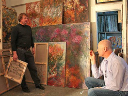 Фоторепортаж из мастерских Сергея Федотова со съемки картин для альбома художника.
