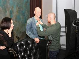 Съёмка телепрограммы с участием арт-критика Валентина Рябова и художницы Светланы Валуевой.