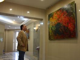Показ картин в холлах жилого комплекса «Золотые ключи-2».