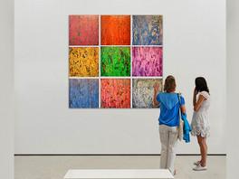 Инсталляция «Кварки» Сергея Федотова на персональной выставке художника в галерее ArtHouse-429 (West