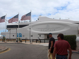 """Галерея Валентина Рябова на выставке """"MIAMI SEA FAIR 2013"""" (USA)."""