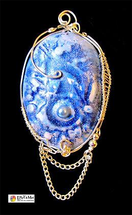 Broche bleue rocaille