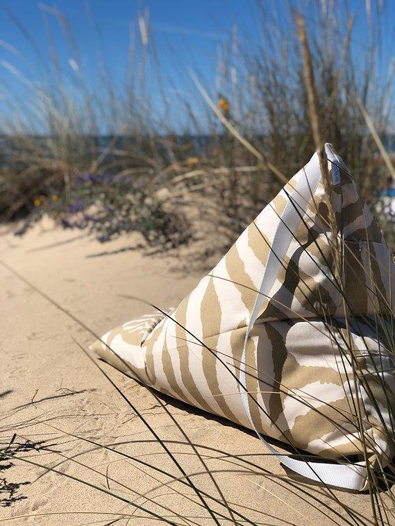 Triipi BIG safari beige almofada de praia.jpeg