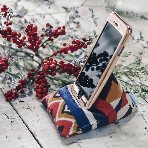 triipi callme tribal almofada apoiar telefone iphone.jpg