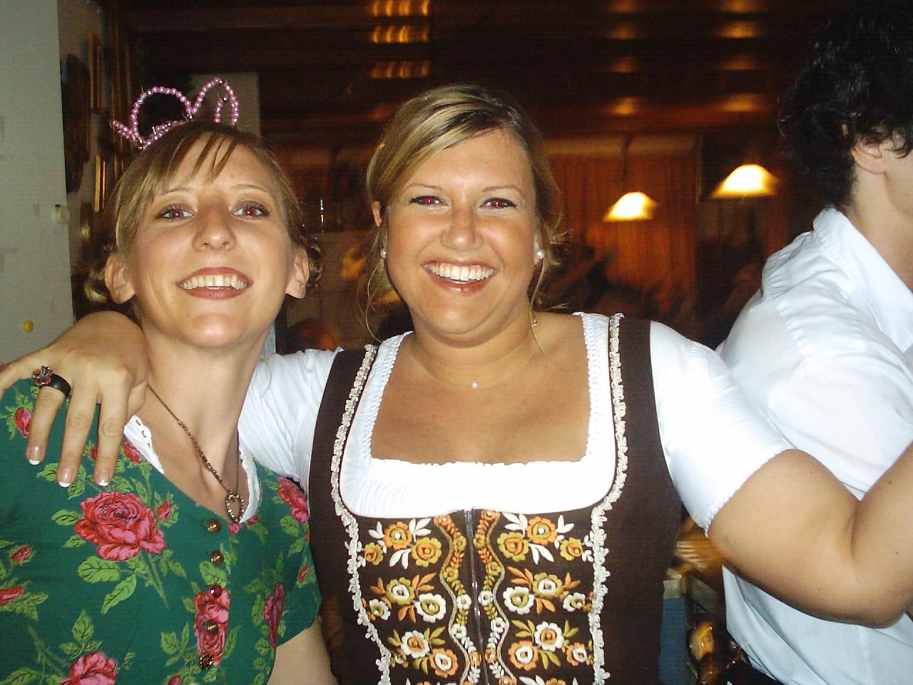 Andra und Nicole Oktoberfestparty