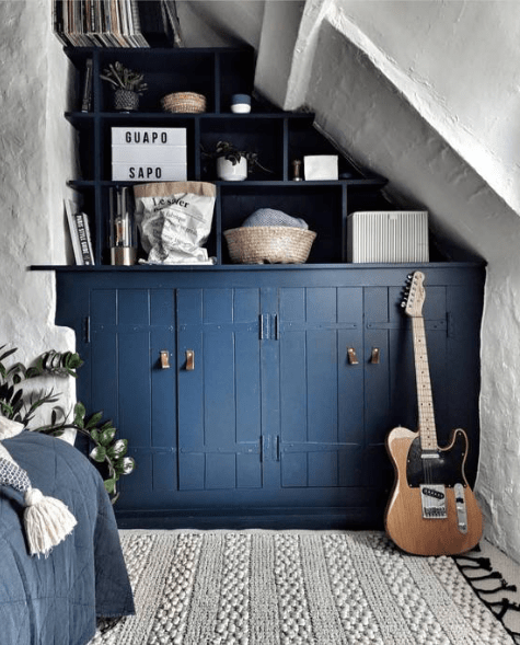 rustic cottage bedroom