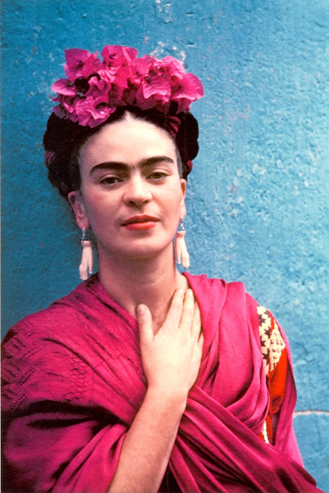 Frida Kahlo portrait in pink and blue