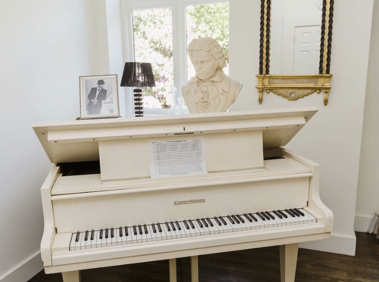 white piano country house