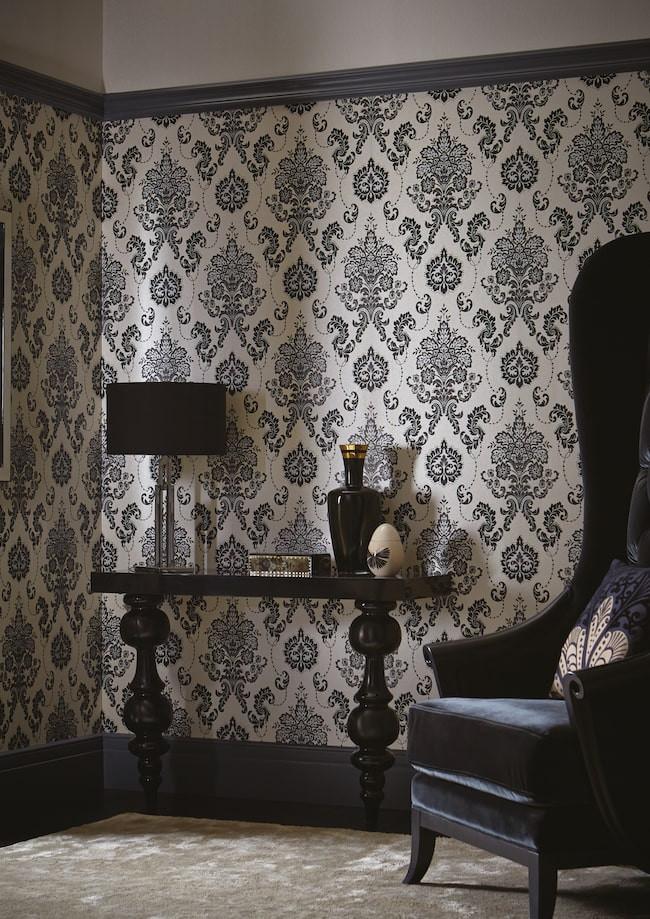 Damask black wallpaper