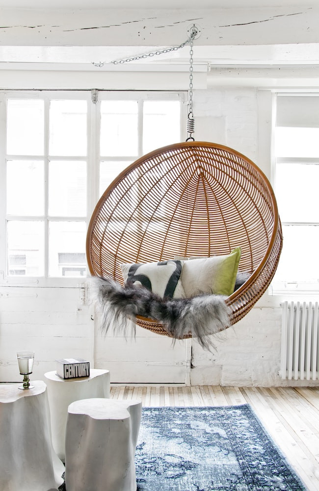 Hanging chair in rattan