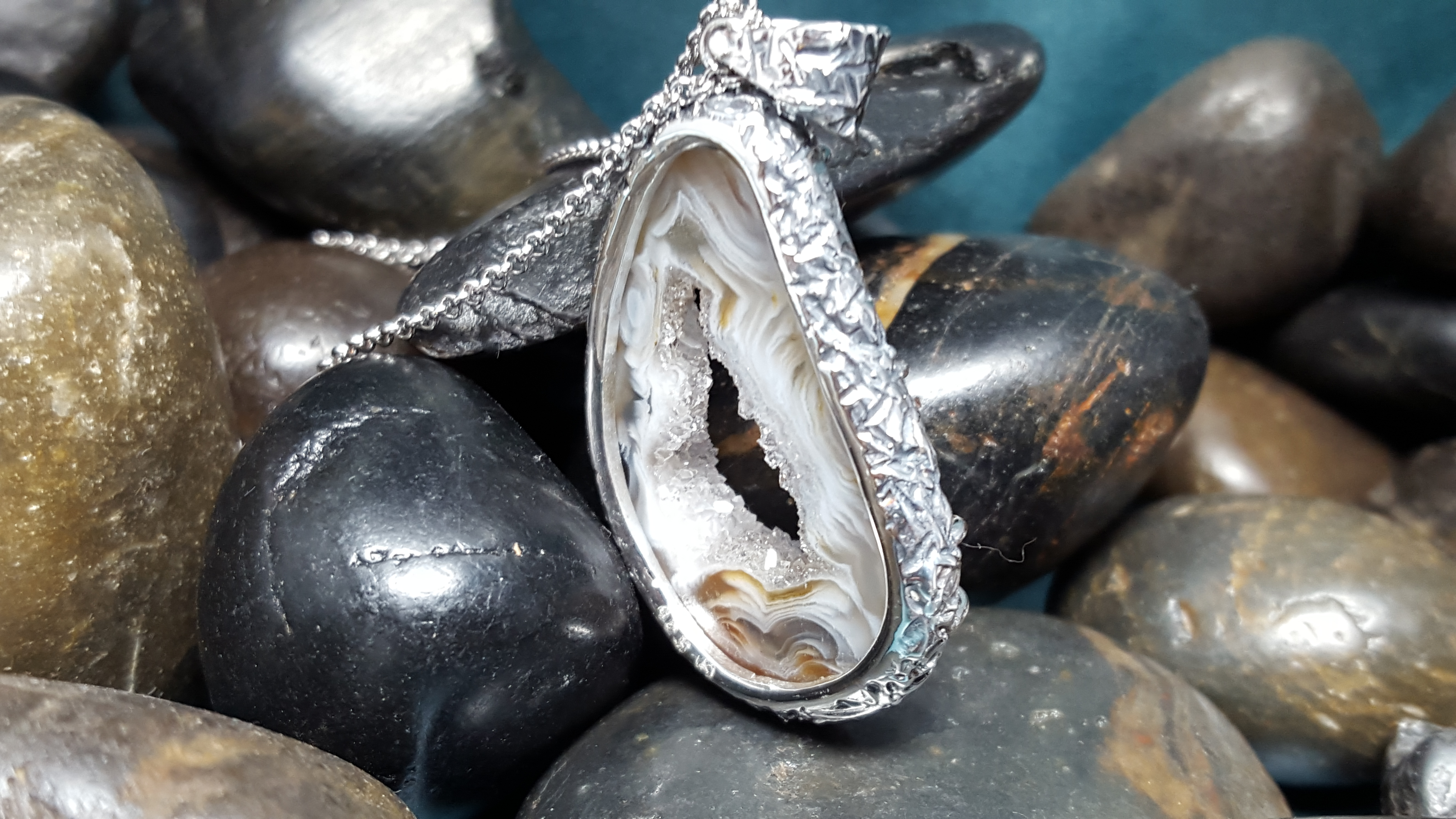 Custom Ocho Geode Pendant
