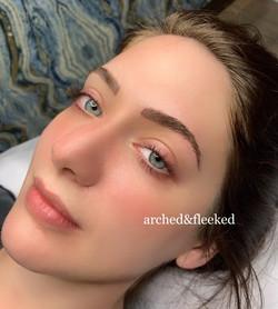 natural microblading brows