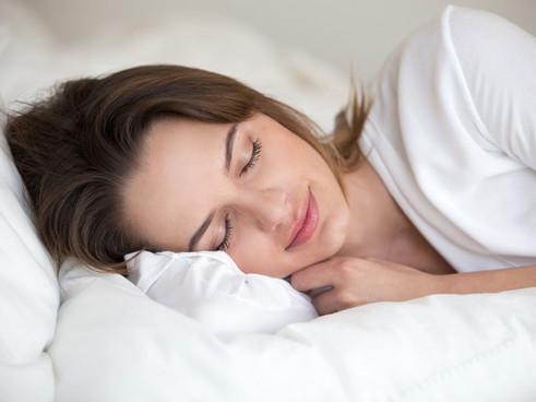 Тривалий і ненормований сон може спричинити рак грудей