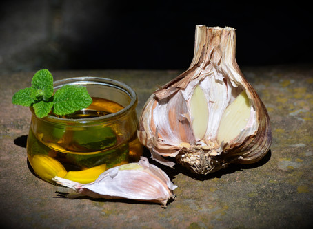 Garlic Oil - Natural antibiotic, anti-viral and anti-fungal remedy
