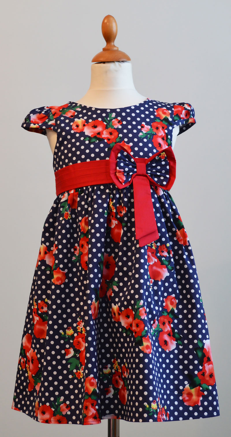 831,836 Платье.