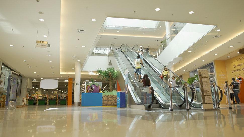 Escada-shopping-facility-li.jpg
