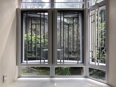 蚊網-拉式加窗花並排效果 | Hometown Design