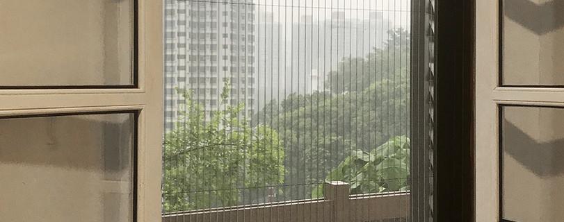蚊網-綠匯學苑風琴式蚊網關閉效果 | Hometown Design