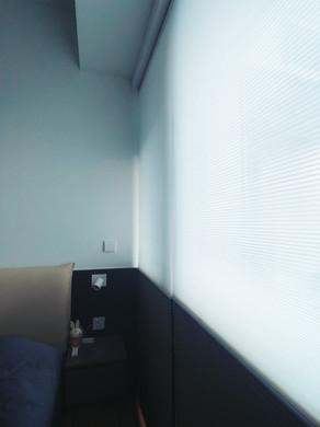 蜂巢簾-日夜簾顏色配襯睡房床頭板   Hometown Design