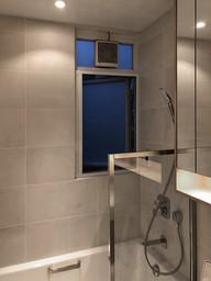蚊網-白色風琴式浴室關閉防蟲 | Hometown Design