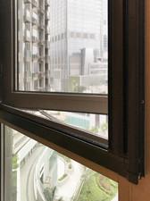 蚊網-捲式隱形透光效果 | Hometown Design