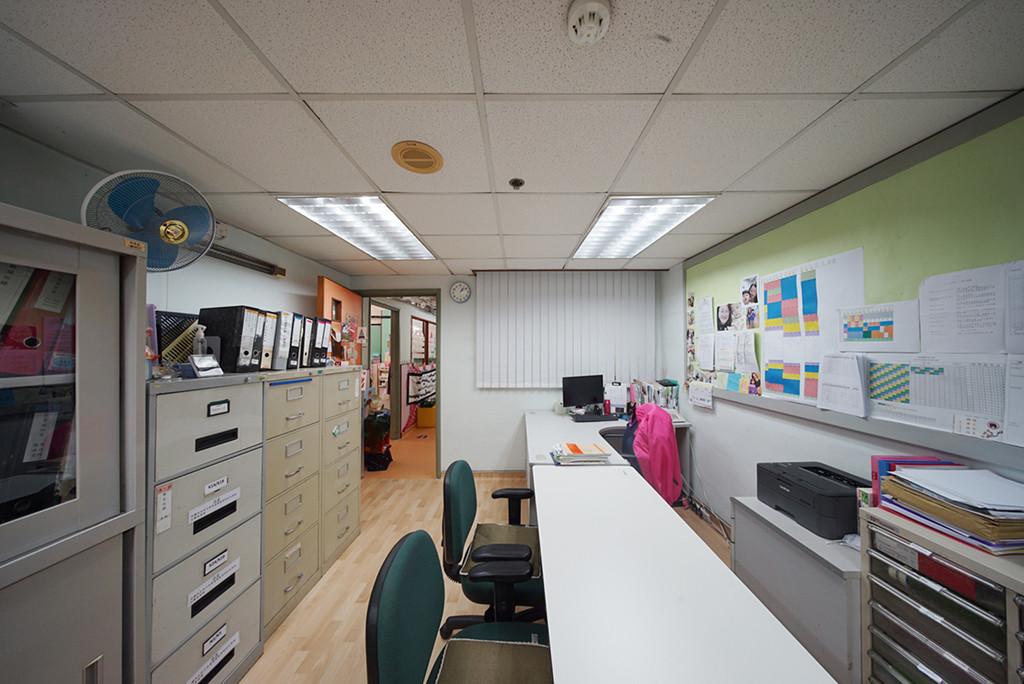 垂直簾-幼稚園辦公室 | Hometown Design