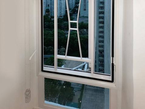 蚊網-掩窗式加窗花效果 | Hometown Design