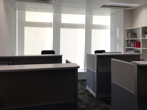 捲簾-辦公室捲簾透光效果 | Hometown Design