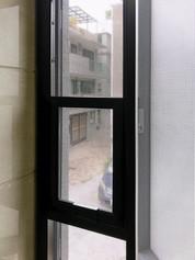 貓網-304不銹鋼三趟樓梯窗戶貓網完成效果   Hometown Design