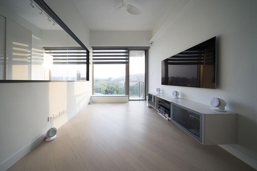 斑馬簾-客廳窗簾透光效果   Hometown Design