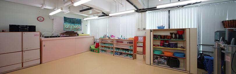 垂直簾-幼稚園課室控光 | Hometown Design
