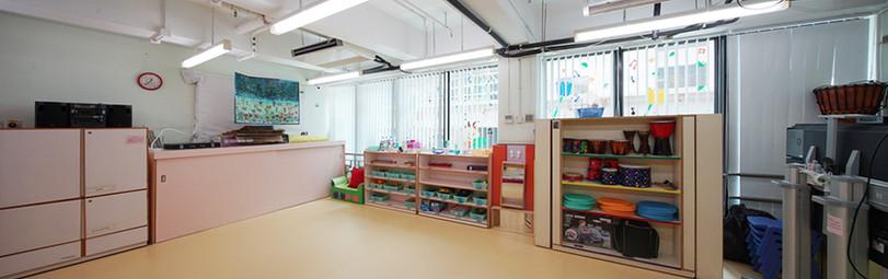 垂直簾-幼稚園透光效果 | Hometown Design