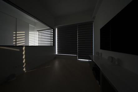 斑馬簾-客廳窗簾遮光效果 | Hometown Design
