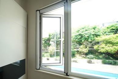 蚊網-捲式高清效果 | Hometown Design