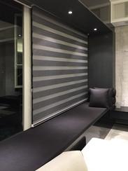 斑馬簾-窗簾型格灰系配襯窗台 | Hometown Design