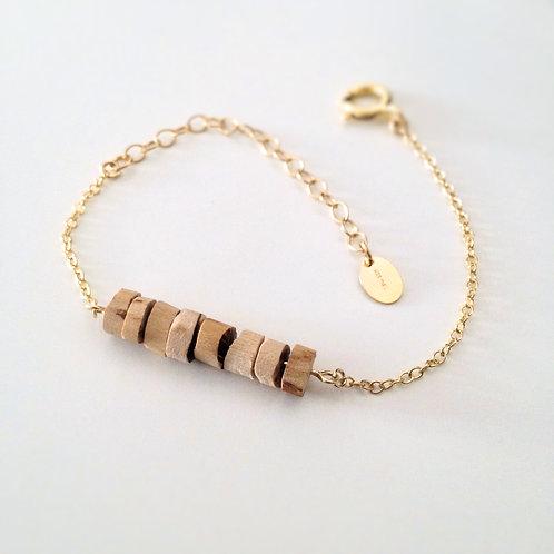 Joli bracelet en perles de bois brut uniques