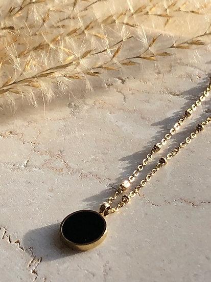 Collier médaillon noir
