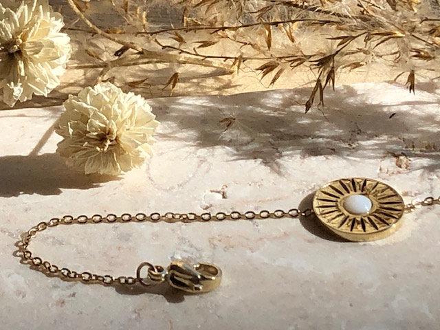 Bracelet chaine médaille blanche